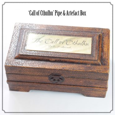 Mythos : 'Call of Cthulhu Pipe & Artefact Box'